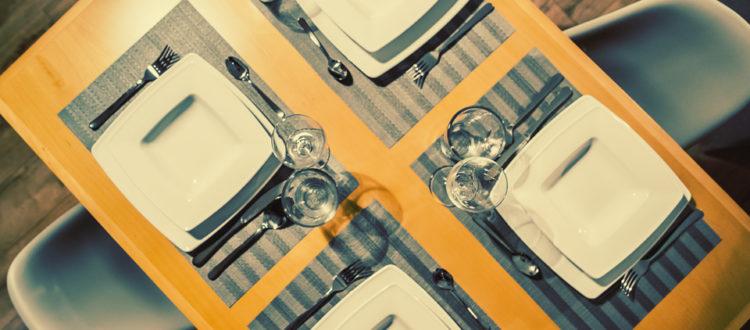 Eskapada - apartament 4-detal z nakryciem stołu