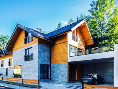 Eskapada -budynek w słońcu